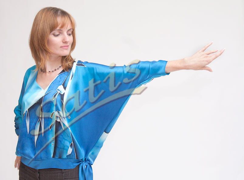 Блузки из шелка